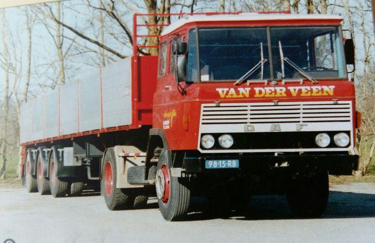DAF FT 2600 4x2 met open oplegger van Van der Veen te Garijp