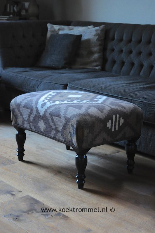 hocker/footstool in khelimstof