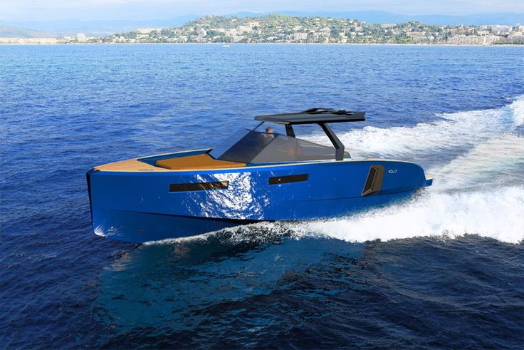 evo WA yacht's modular deck extends at the push of a button