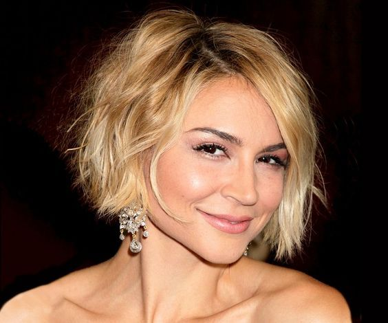 Summer Hair Ideas: Chelsea Kane Chic Short Ombre Bob Haircut for Women - Find more chic short hairstyles on http://hairstylesweekly.com