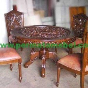Meja makan ukir 4 kursi