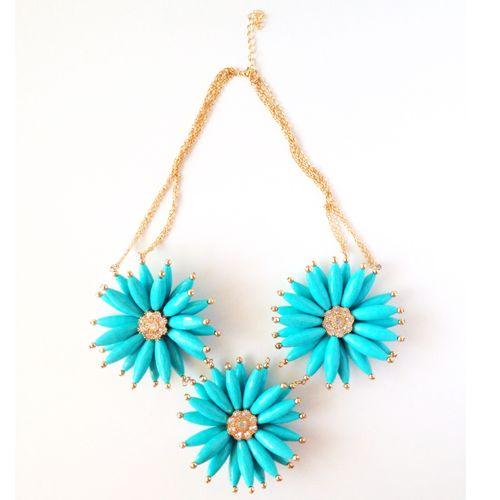 Colier/Necklace: Blue Daisies www.monokini.ro