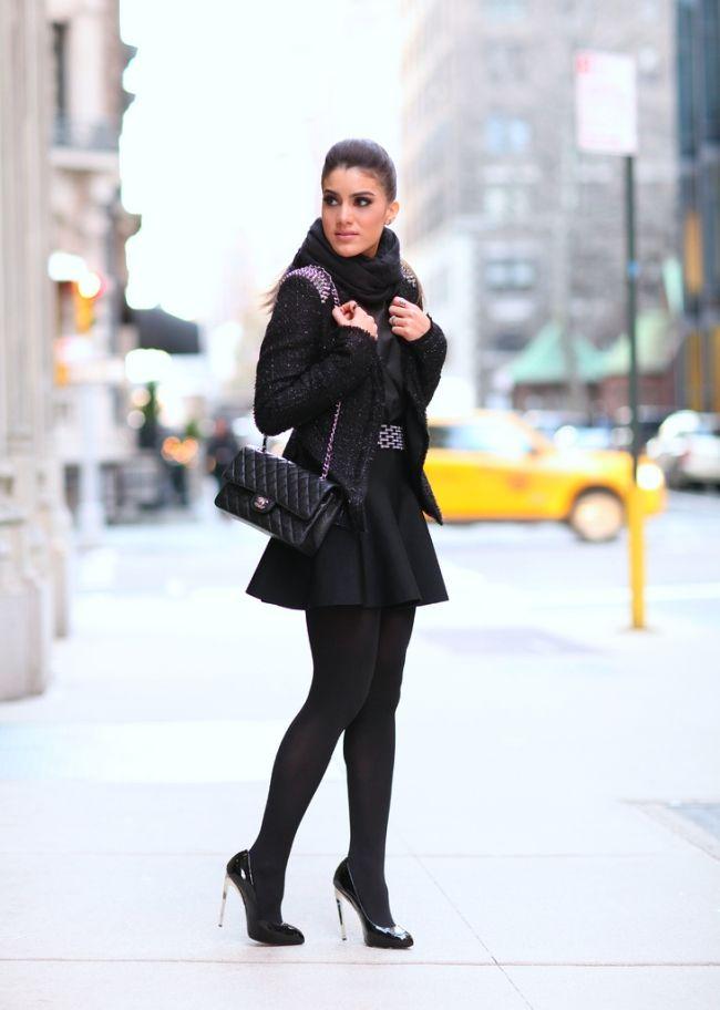 Look preto com chique.