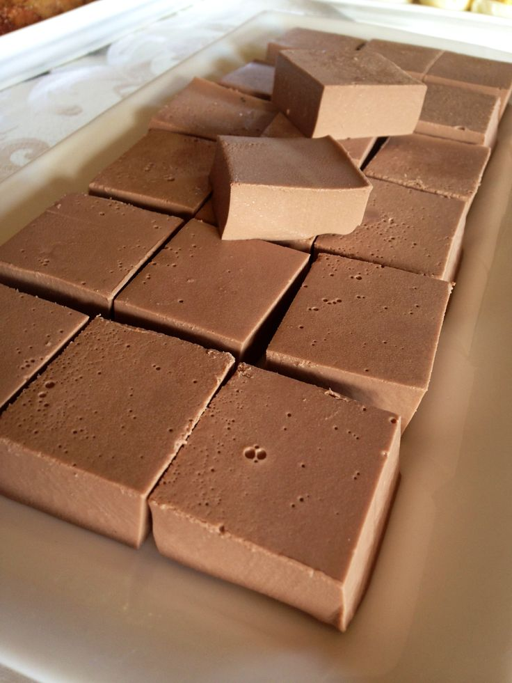 Choc Creamy Dreamies - Pinkfarm          100g of Loving Earth Coconut Mylk Chocolate     2 cups of coconut cream     2 Tbs maple syrup (more or less depending on your taste)     2 Tbs great lakes gelatine