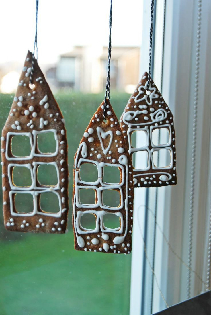 Christmas window decorations - Check Out 30 Awesome Christmas Window D Cor Ideas Decorating For Christmas Don T Forget About Some Particular Pieces Like A Mantel Doors And Windows