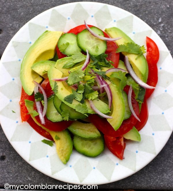 Ensalada de Aguacate y Tomate (Avocado and Tomato Salad)   My Colombian Recipes