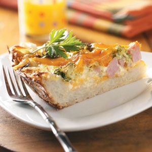 Potato Crust Quiche - this sounds wonderful! Went searching after I saw MIchelle @ the Excellent Wife post her pics of the asparagus one. Not a fan of asparagus. :-)