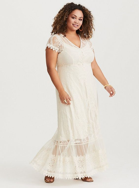Ivory Lace Maxi Dress | Spanish in 2019 | Lace maxi ...
