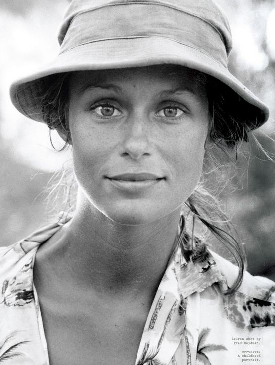 Do you want to build up your personal style? Choose less pieces and show repetition (as I said before). Model and actress Lauren Hutton has a refined colour palette, often wears a hat, adds a touch of gold for the evening. And is as beautiful and interesting as ever. Salva Salva SHARE: