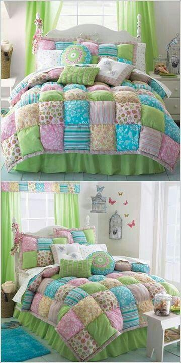 Bello juego de cama para nina o jovencita.