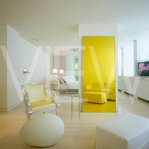 Phillip starck hotels hotel with dreamlike interior for Philippe starck interior designs