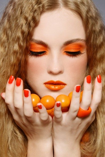 Orange makeup everywhere.