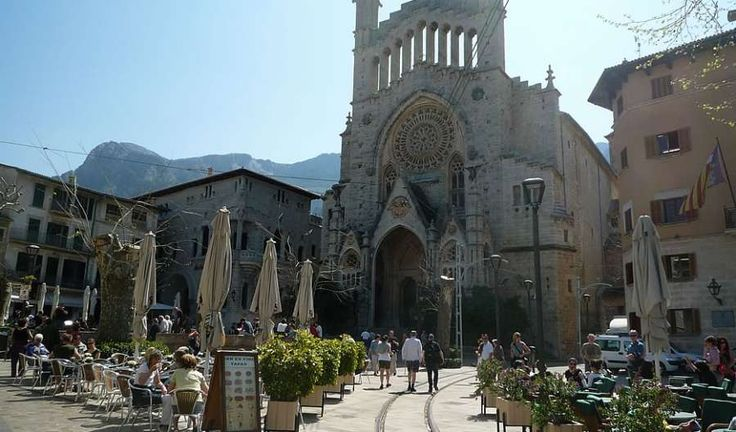 Soller, Mallorca  - Travel Guide to Soller
