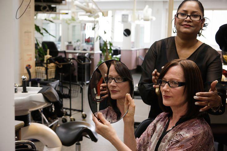 Parturi-kampaajat työskentelevät itsenäisinä ammatinharjoittajina, toisen palveluksessa tai monialaisissa kauneudenhoidon yhteistyöyrityksissä. Ala on kansainvälinen ja ammattilaisille tarjoutuu työtilaisuuksia myös ulkomailla.