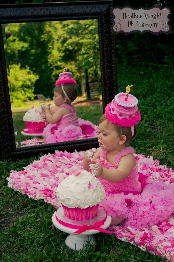 Maddy's Cake Smash, photo by: Heather Vaught Photography