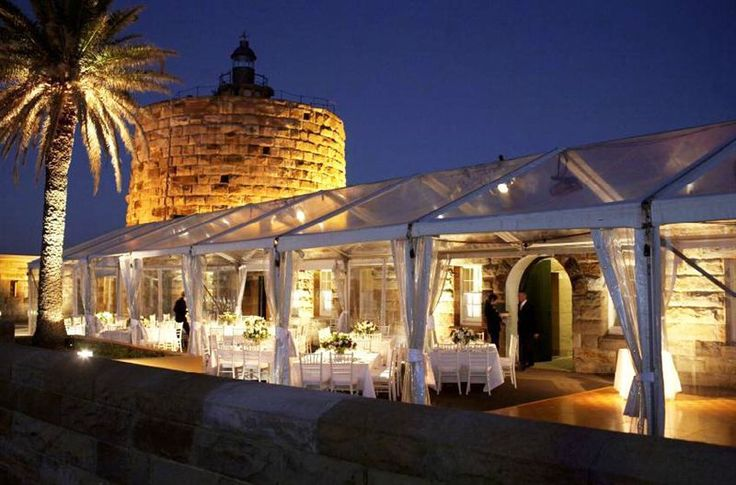 Fort Denison, Sydney Harbour-A super beautiful wedding venue in Australia! Awesome inspiration for your wedding!