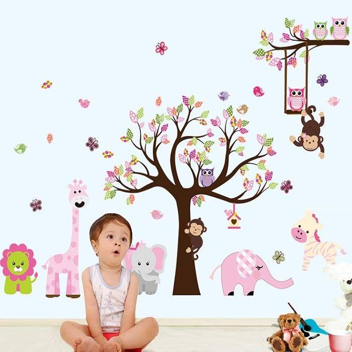 Muursticker kleurrijke jungleboom met allerlei diertjes