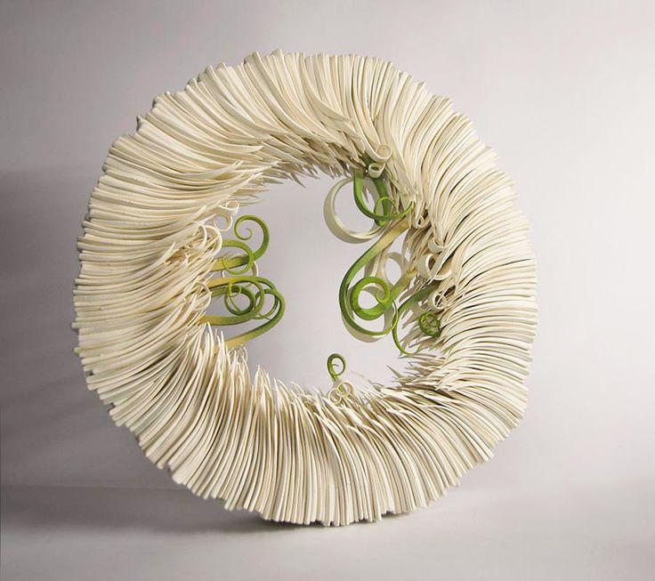 Alberto Bustos' Paperlike Ceramics Imitate Sprouting Blades of Grass