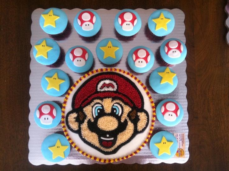 Cake and cupcakes Mario Bros; pastel y panquecitos de chocolate decorados con betún de chocolate y fondant