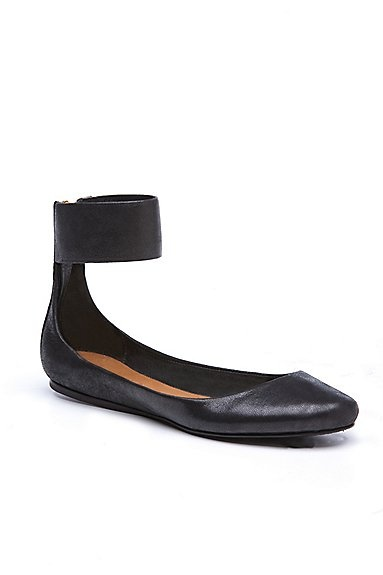 Lotta flats: O' Women'S S Sho, Shoes Sapatos, O' Women'S S Fashion, Fashion Hair Nails, Lotta Flats, Black Flats, Style O' Pedia, Clothing Shoes Hair, Styles Fashion