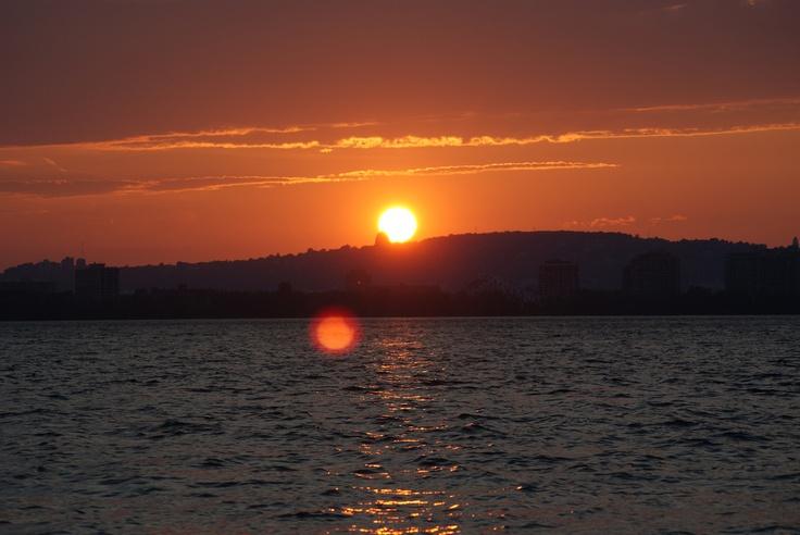 Couché de soleil sur le fleuve Saint-Laurent