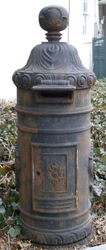 Antigue English ornate mail box_image