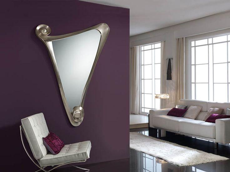 Miroir originau modèle GALA argent . Miroir avec un cadre moulé, finition en feuille d'argent antique. Plaque de miroir biseautée. Décoration Beltran, votre magasin online pour la décoration de votre maison.