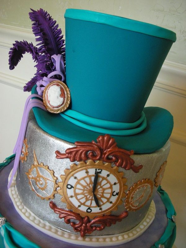 Steampunk Cakes: Clockwork Confections Members Only website at clockwork.confect... huffingtonpost.co.uk. You may want to see other Victorian and art nouveau sugar art on Decor de Sucre board.