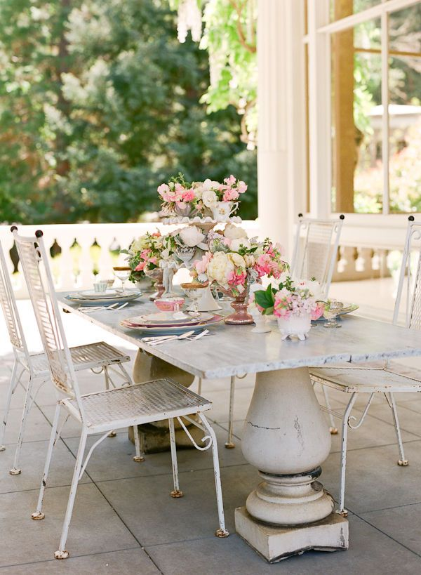 Vintage decor outside eating front porch decor pinterest - Vintage front porch decorating ...