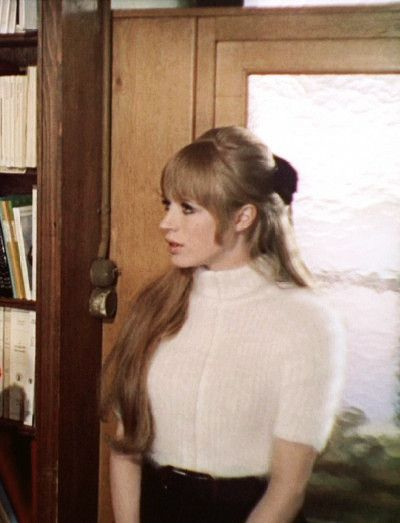 Oh Marianne, why will you not give your hair up for me?