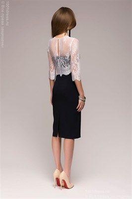 Темно-синее платье-футляр с белым кружевным верхом - фото 13490
