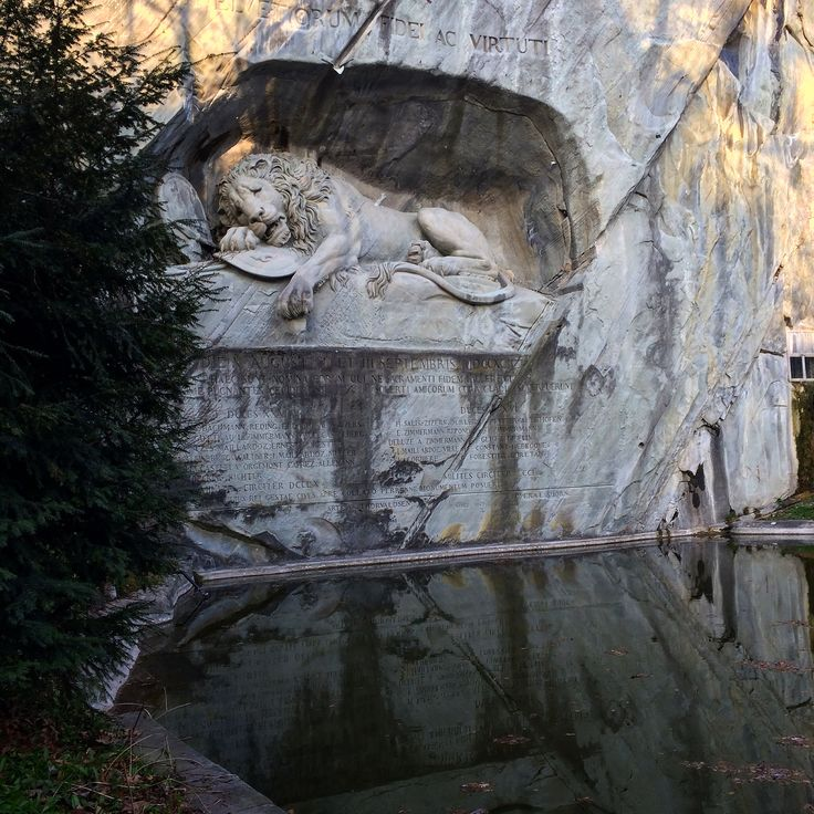 how to get to lion monument lucerne