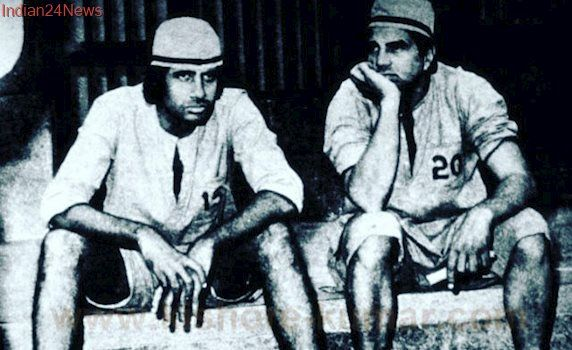 Amitabh Bachchan Shares Throwback Picture From Sholay