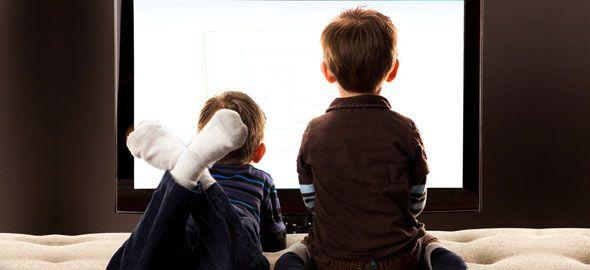 Πολλά παιδιά μένουν κολλημένα μπροστά στη οθόνη της τηλεόρασης. Δείτε 20 διασκεδαστικές δραστηριότητες που θα τα «ξεκολλήσουν»!