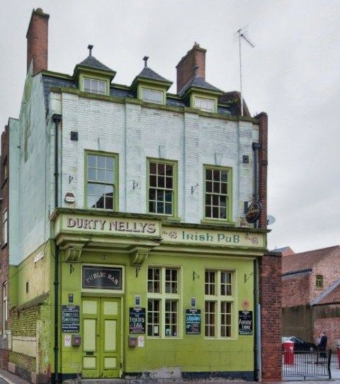 Dirty Nelly's Hull
