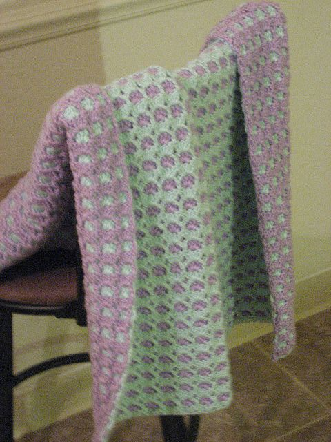 "Unusual 2 Sided Baby Afghan FREE PATTERN. Original pinner says: ""This is the blanket I made a long time ago, in yellow and white. The pattern was very popular in the 1980's."""