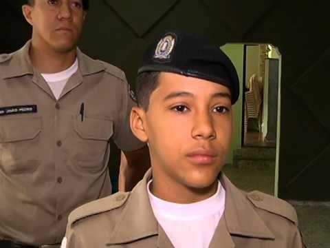 Sexto Batalhão da PMMG - Garoto tem seu sonho realizado ao visitar o 6º BPM