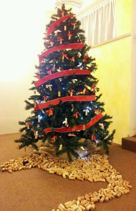 Albero di Natale con tappi di vino (AIS idea)