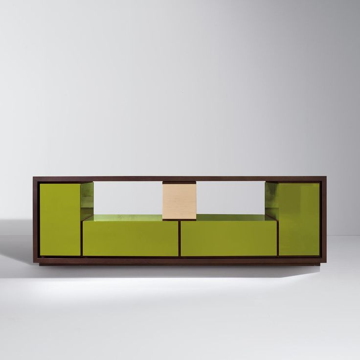 BD 09 F by Bartoli Design. Double-sided sideboard to outfit with modular units in several wood types and colours, alternated with empty spaces. This interesting relationship between solids and transparencies gives an original aesthetic effect of light and shade. | Laurameroni