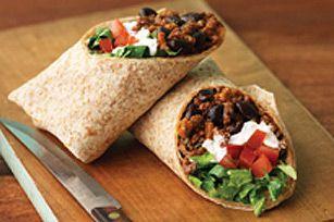 Le fromage fondant mélangé au bœuf haché rend ces burritos absolument irrésistibles.