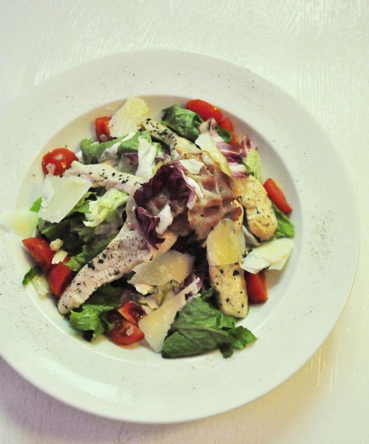 Sałata Cesar/Cesar Salad @ Punkt Sporny Club & Restaurant