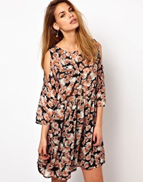 Glamorous Smock Dress In Daisy Print With Cold Shoulder