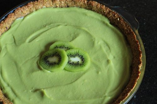 Ever tried this Avocado Pie (and yummy #GlutenFree Pie Crust) from @KalindaP?
