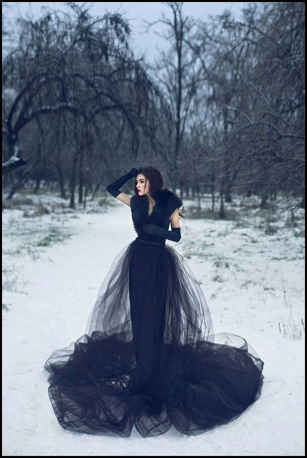 Holy moley, this dress is a midnight dream! #blackdress #gothicbride #gothicwedding