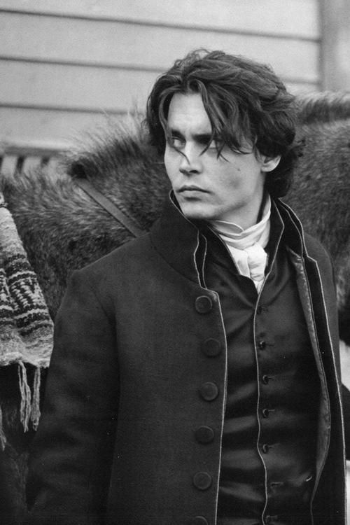 Johnny Depp. Sleepy Hollow. Johnny at his most bangable.