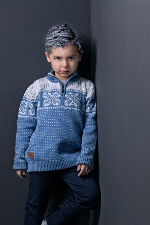 Snowstar zip sweater by MOLE - Little Norway in 100% italian merinowool. Designed in Norway and manufactured in EU <3
