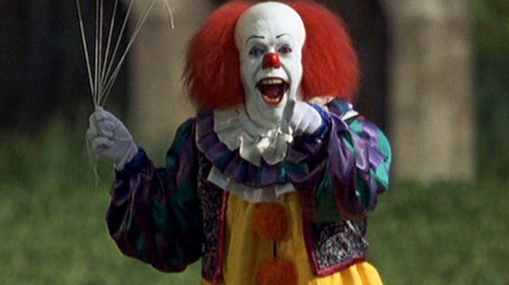 Er zijn veel thrillers die gebruik maken van clowns. De clowns in deze films zijn vals en zien er dan ook steeds angstaanjagend uit.