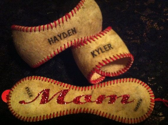 baseball bracelets.........Love this idea