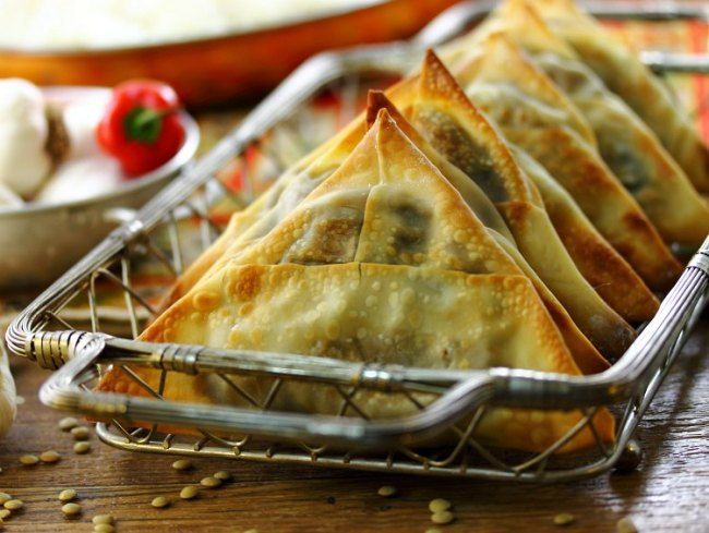 Spicy Vegetarian Lentil Samosas | eat healthy, eat happy