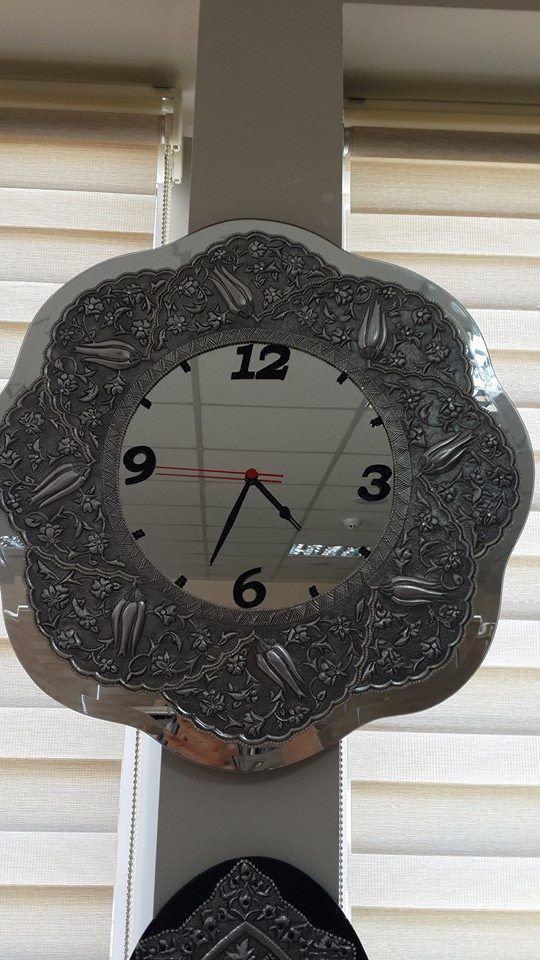 alüminyum rölyef ile ayna üzerine saat çalışması.
